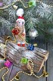 Símbolo 2015 de las ovejas del juguete del árbol de navidad Fotos de archivo