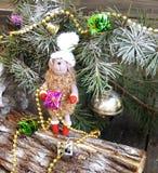 Símbolo 2015 de las ovejas del juguete del árbol de navidad Imagenes de archivo