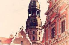 Símbolo de Riga, do pulso de disparo antigo em St Peter & do x27; igreja de s Fotos de Stock