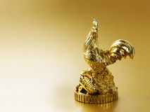 Símbolo del Año Nuevo, gallo de oro Imágenes de archivo libres de regalías