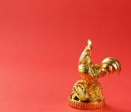 Símbolo del Año Nuevo, gallo de oro, oriental Imagen de archivo