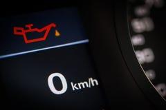 Símbolo del aceite en un coche fotos de archivo