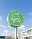Símbolo del coche eléctrico Imagenes de archivo