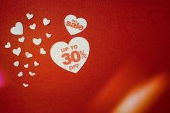 Símbolo del corazón para la venta grande Promoción del descuento imágenes de archivo libres de regalías