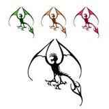 Símbolo del dragón de vuelo, emblema decorativo negro Foto de archivo
