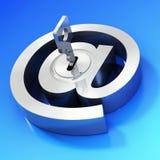 Símbolo del email con clave Fotos de archivo libres de regalías