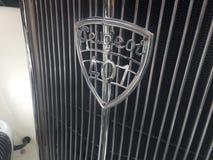 Símbolo do carro do vintage de Peugeot 401 Fotos de Stock Royalty Free