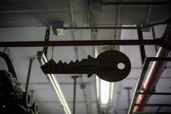 Símbolo dominante que cuelga sobre el techo Foto de archivo libre de regalías