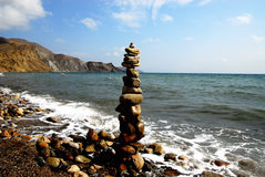 Símbolo fálico, construído da costa de pedra de Crimeia, Rússia Foto de Stock