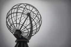 Símbolo famoso do cabo norte, o ponto o mais northernmost de Europa imagens de stock royalty free