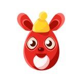 Símbolo femenino rojo formado del día de fiesta religioso de Pascua Bunny In Warm Hat Colorful del huevo de Pascua Imagenes de archivo