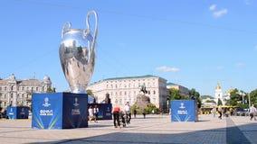 Símbolo final de la TAZA de la liga de campeones de UEFA el 23 de mayo, almacen de metraje de vídeo