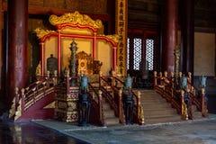 Símbolo imperial Dragon Chair del poder del palacio imperial chino imagen de archivo