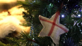 Símbolo inglês na árvore de Natal video estoque