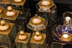 Símbolo oriental de la ejecución de la tradición de la linterna de la lámpara del vintage árabe clásico de la luz del Islam ramad foto de archivo
