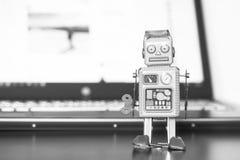 Símbolo para um bot do bate-papo ou bot social e algoritmos imagem de stock