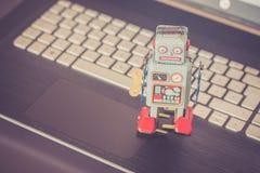 Símbolo para um bot do bate-papo ou bot social e algoritmos, portátil imagem de stock