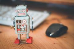 Símbolo para um bot do bate-papo ou bot social e algoritmos, teclado imagens de stock royalty free