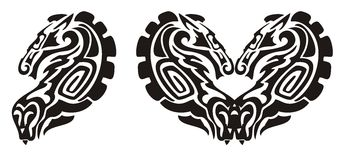 Símbolo tribal del caballo y de la serpiente, corazón de un caballo Imágenes de archivo libres de regalías