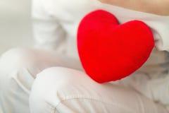 Símbolo vermelho do coração e do amor - dia de Valentim Foto de Stock