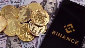 Símbolo y dinero de Bitcoin almacen de video