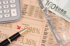 Símbolos de la crisis financiera Imágenes de archivo libres de regalías