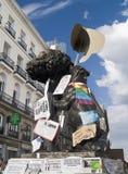 Símbolos de Madrid con las muestras de la demanda, Revolutio español Imagen de archivo libre de regalías