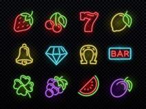Símbolos de neón brillantes del vector de la máquina tragaperras Iconos de juego ligeros del casino stock de ilustración
