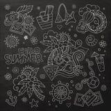Símbolos del vector de la pizarra del verano y de las vacaciones Imagenes de archivo