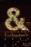 Símbolos do casino nas luzes de néon Fotos de Stock Royalty Free