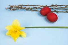 Símbolos do feriado da Páscoa foto de stock