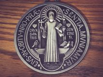 Símbolos do medall de Benedict de Saint imagem de stock royalty free