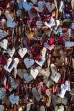 Símbolos dos corações do metal imagem de stock