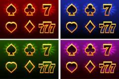 Símbolos e 777 do cartão de jogo Terno de cartões de jogo Símbolos da ilustração do vetor isolados Ícones em camadas separadas ilustração stock
