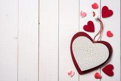 Símbolos el día de tarjeta del día de San Valentín fotos de archivo