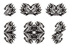 Símbolos llameantes tribales del caballo Negro en el blanco Imagenes de archivo