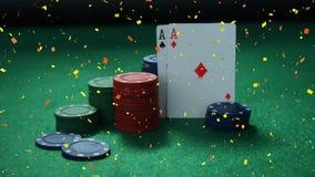 Símbolos y tarjetas presentados en la tabla del casino con la animación del confeti stock de ilustración