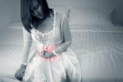 Síndrome del intestino irritable o colitis ulcerosa imagen de archivo