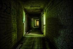 Sótano del edificio abandonado Imagenes de archivo