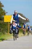 Rörelsehindrad Ironman triathlete Arkivbilder