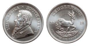 Södra - afrikansk krugerrand 1 uns silverguldtackamynt som isoleras på vit bakgrund royaltyfri illustrationer