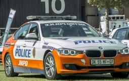 Södra - afrikanska polisbilar - Front Angled View - inga ljus på Arkivfoton