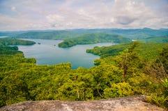 Södra Carolina Lake Jocassee Gorges Upstate berg royaltyfria bilder