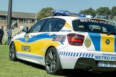 Södra - den afrikanska polisen bil- EMPD drar tillbaka på vinkel till sidosikten med ljus Royaltyfri Fotografi