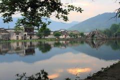 södra by för forntida hongcun för porslin kinesisk royaltyfri fotografi