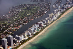 Södra Florida sätter på land flyg- sikt Royaltyfri Bild