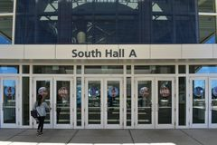 Södra Hall A ingång i Orlando Convention Center på internationellt drevområde royaltyfri foto