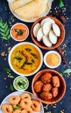 Södra indiskt matuppläggningsfat arkivbilder