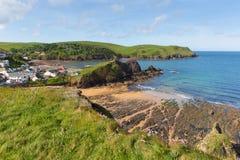 Södra liten vik England UK för Devon kusthopp nära Salcombe och Thurlstone Royaltyfri Bild