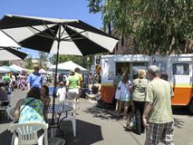 Södra pärlemorfärg gatabondemarknad i Denver Arkivfoto